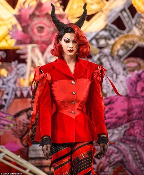 4472d2ab00000578-4896520-dilara_used_drag_artist_violet_chachki_and_rapped_brooke_candy_a-m-2_1505766314323